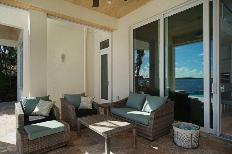 Villa-Bequia-pool_area7_k-1024x682