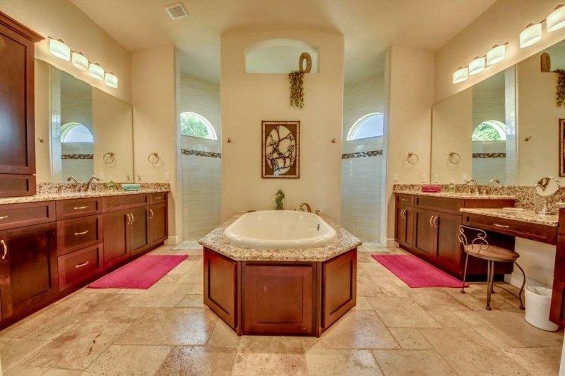 32-Master-Bathroom-1280-1024x682
