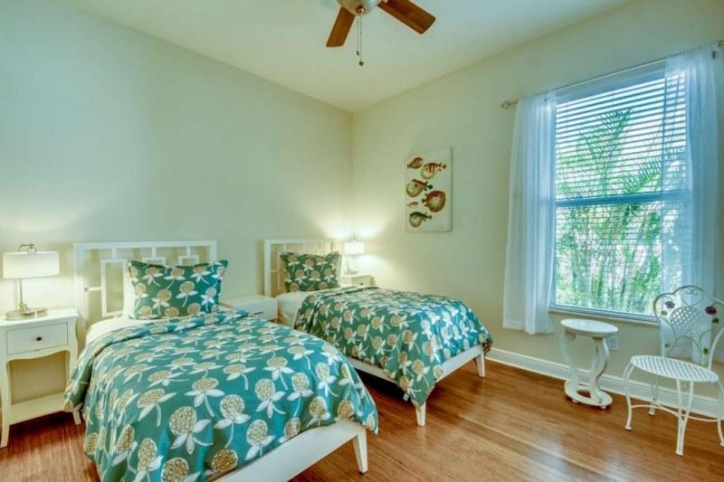 36-Bedroom-2-1280-1024x682
