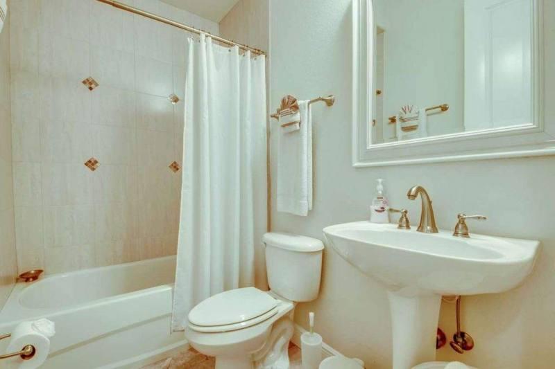 42-Guest-Bathroom-2-1280-1024x682