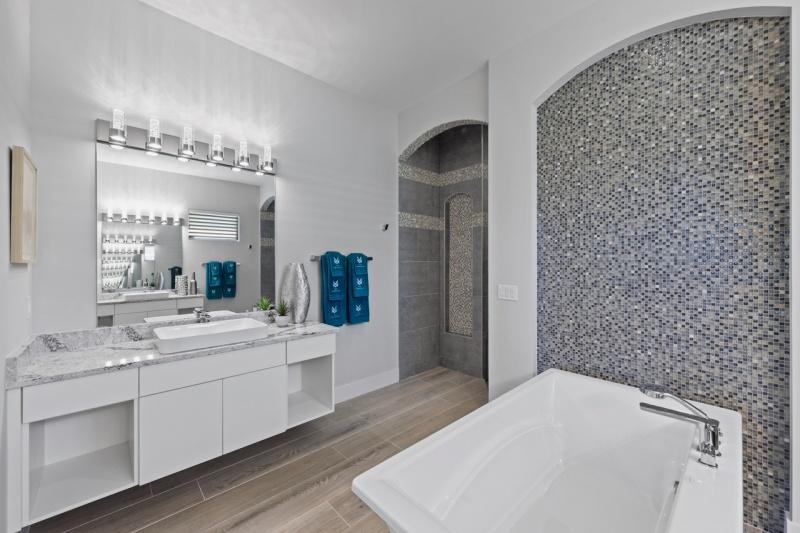 Master-Bathroom-1-of-4